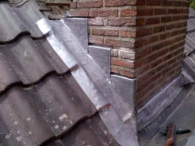 Loodwerk, zinkwerk, vervanging schoorsteenlood, dak en vastgoedbeheer Nederland